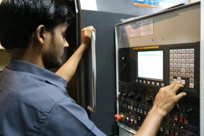 Îmbunătățirea stagiilor de practică în domeniul mecanic